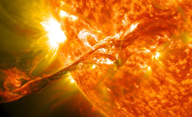 Il Sole attraversato da tornado magnetici